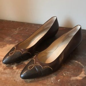 beautiful vintage Bruno Magli detailed flats 10AAA